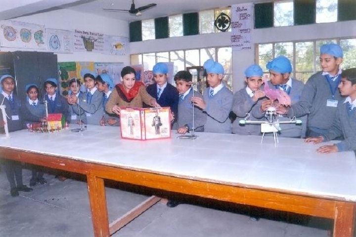 Amarpuri Senior Secondary Public School-PhysicsLab