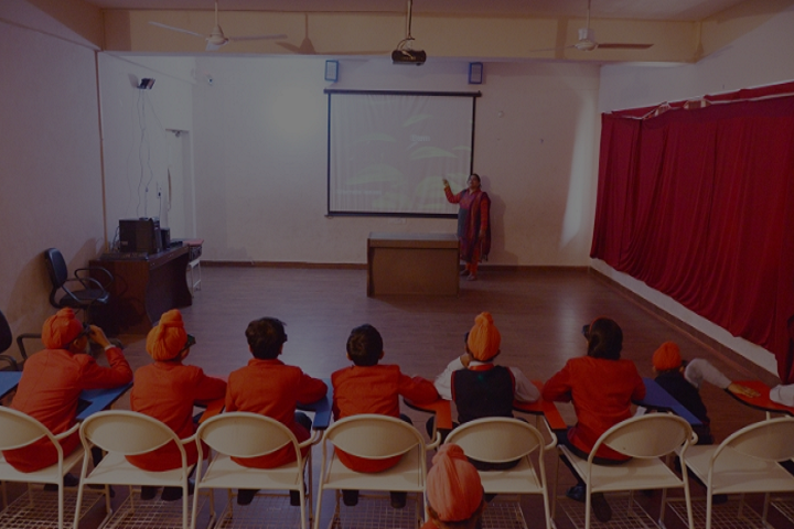 Aryabhatta International School-Classroom smart
