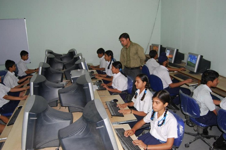 B S F Senior Secondary School-IT Lab