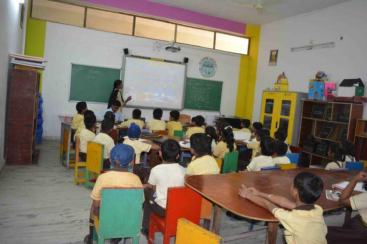 Gyan Jyoti Awasiya Vidyalaya-Classroom