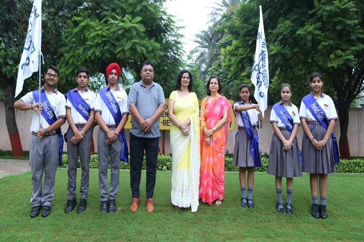 Bawa Lalvani Public School-Group Photo with Head boy and Head girl