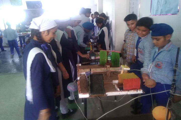 Bhai Daan Singh Akal Academy-Science Exhibition