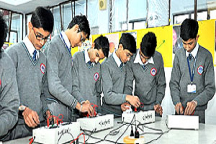 Bhartiya Vidya Bhawan Sachan Lal Public School-Laboratory