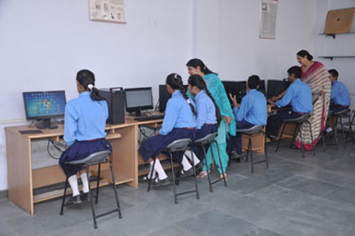 Bhartiya Vidya Mandir-IT-Lab with teacher