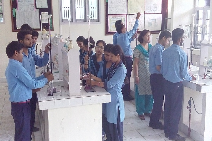 Bhartiya Vidya Mandir Senior Secondary School-Chemistry Lab