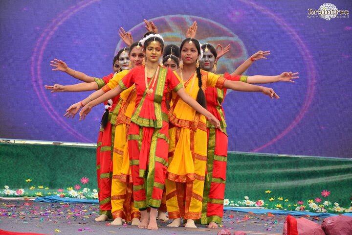 Braintree World School-Dance