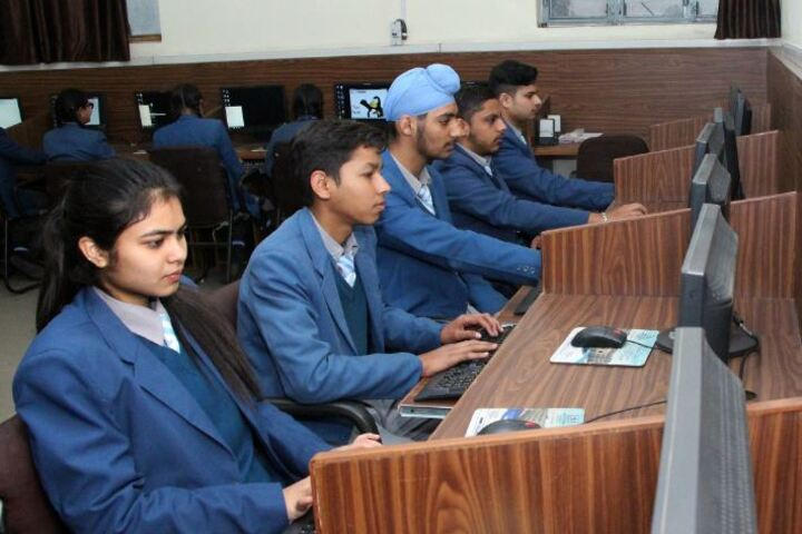 C T Public School-Computer Lab
