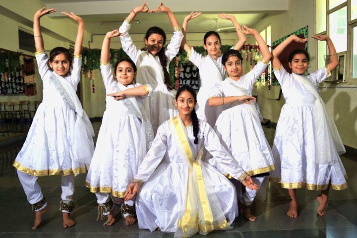 Cambridge International School-Dance Room