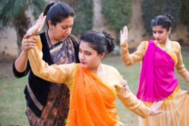 Cambridge International School-Dance