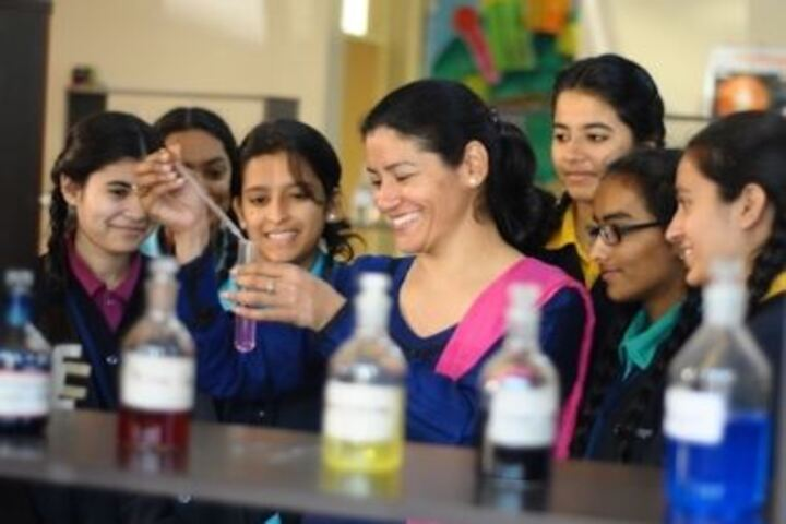 Cambridge International School-Physics Lab