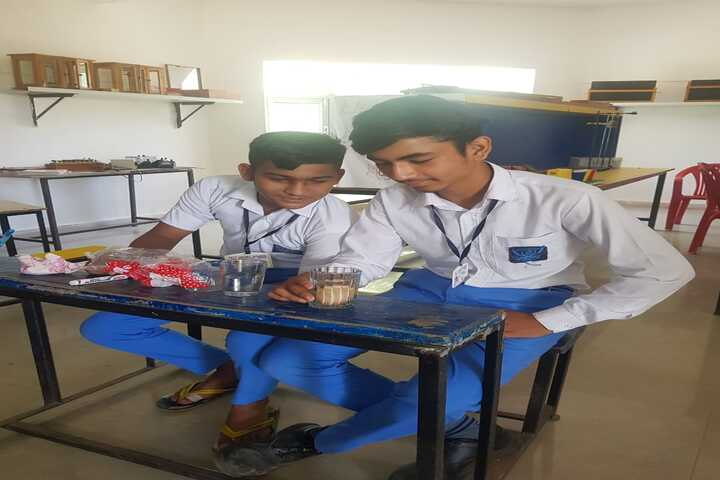 City Heart School-Biology Lab