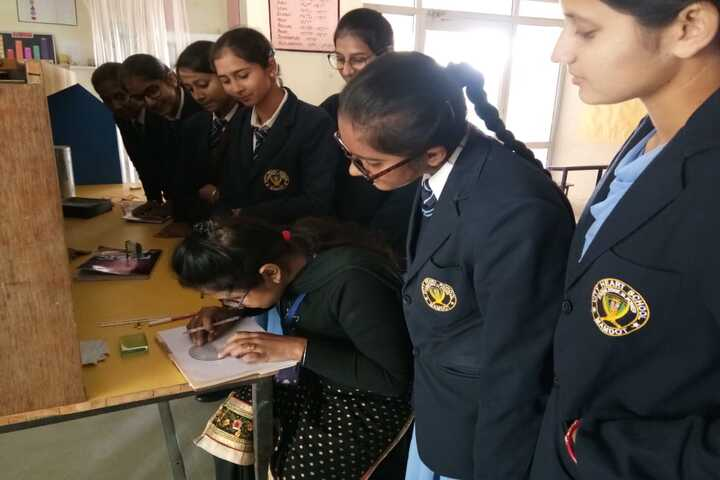 City Heart School-Science Lab