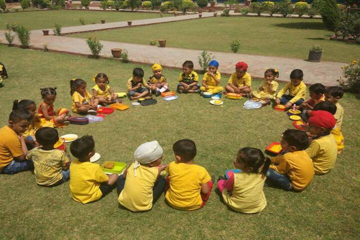 Cms Guru Kashi Public School-Outdoor Activity
