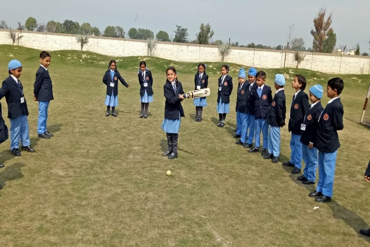 CMS Guru Kashi Public School-Cricket Training