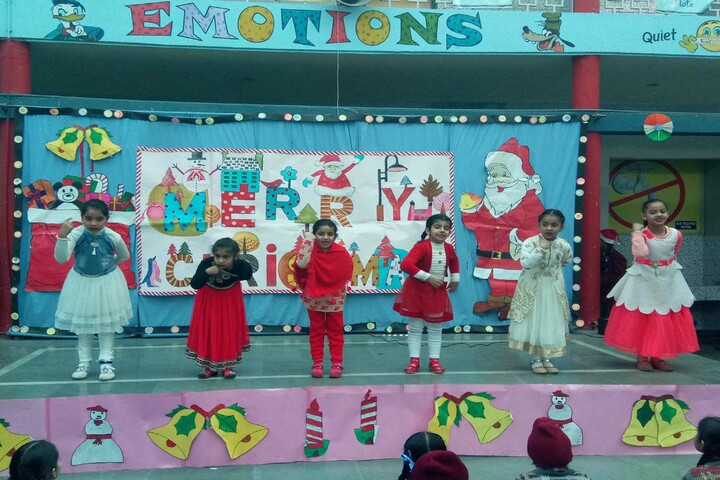 D C Model International School-Christmas Celebrations