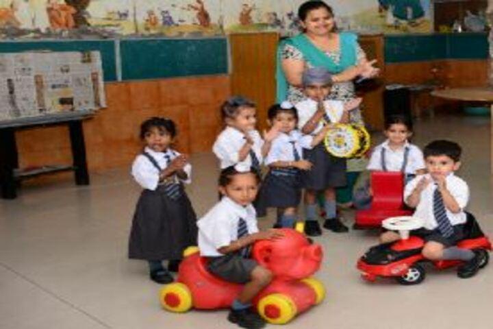 D A V Model Senior Secondary School-Kids Play Area