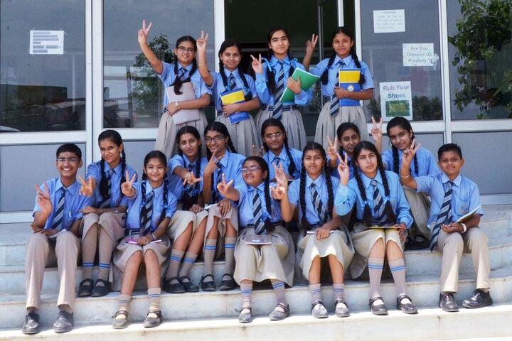 Darshan Academy-Students