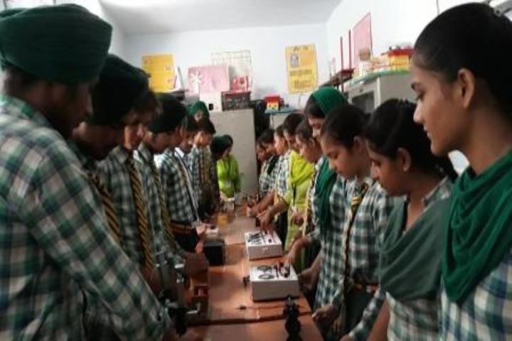 Dasmesh Public School-Lab