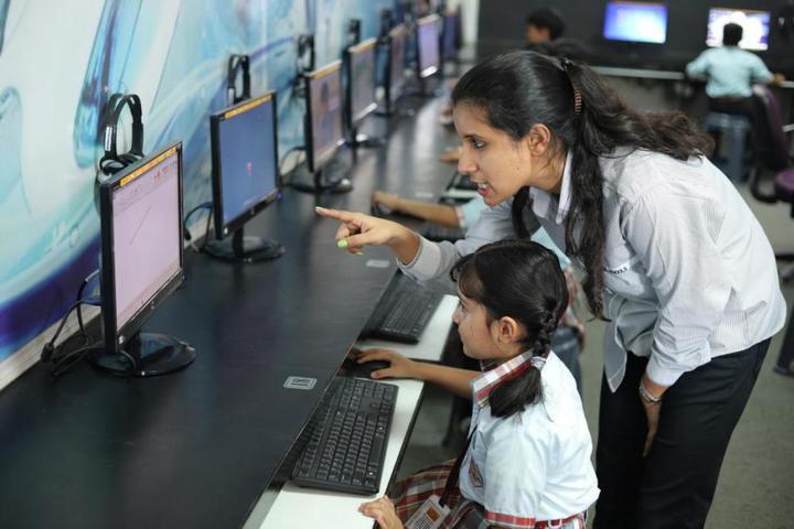 Dass And Brown World School-Computer Lab