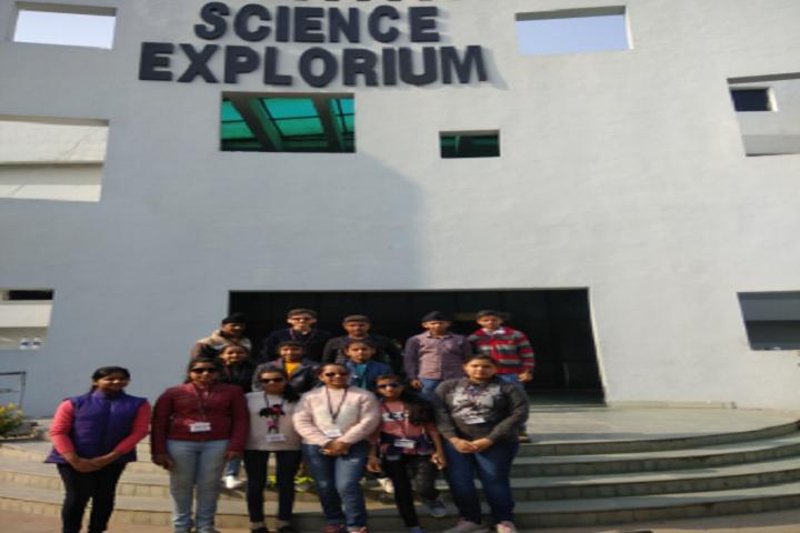 Dav Public Senior Secondary School- Excursions