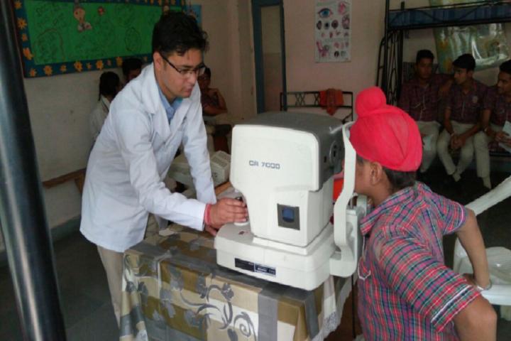 Dav Public Senior Secondary School- Health Check-up