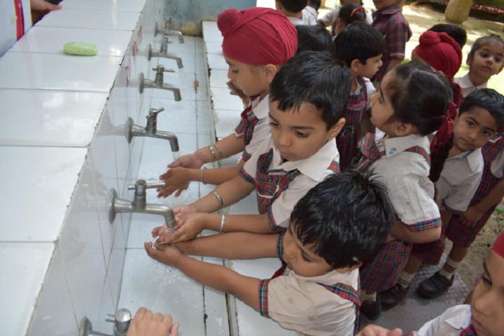 DAV Public School-Hygiene System