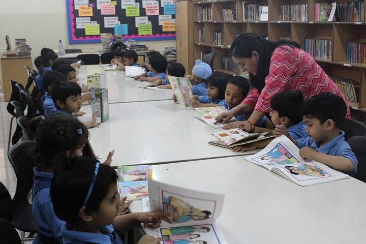 Dikshant International School-Library