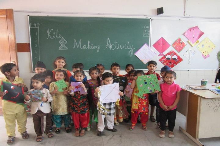 DIPS School-Kite Making