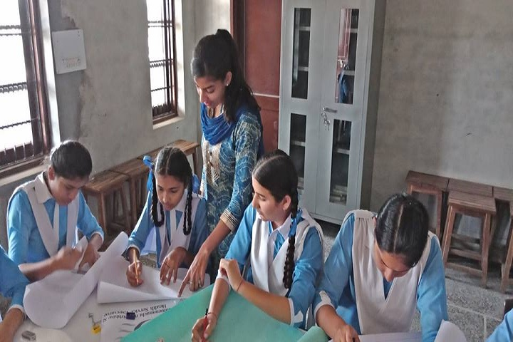 Divine Mata Gujri Public School-Art room
