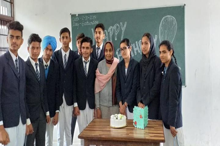 Divine Mata Gujri Public School-Birthday Celebration