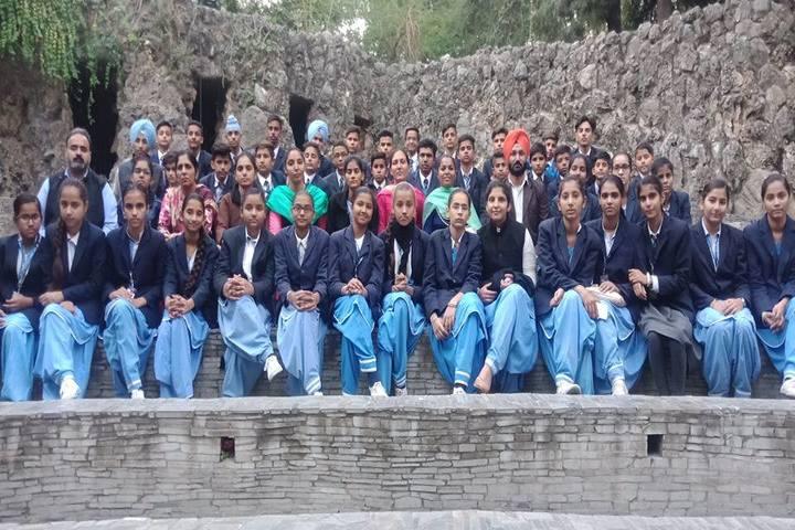 Divine Mata Gujri Public School-Students