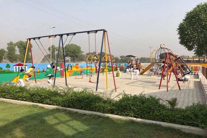 Dr Holmes Academy-Playground