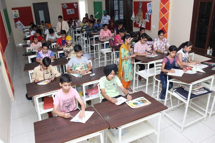 Dr Saif-Ud-Din Kitchlu Memorial Public School-Drawing room