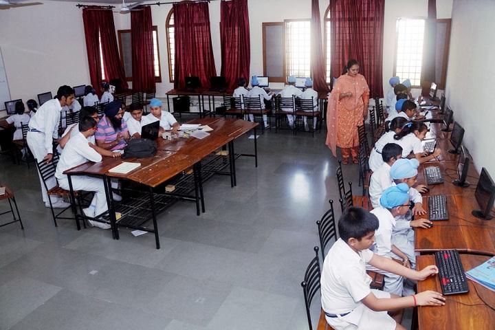 Gen Gurnam Singh Public School-Computer Lab