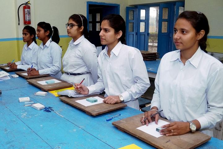 Gen Gurnam Singh Public School-Laboratory