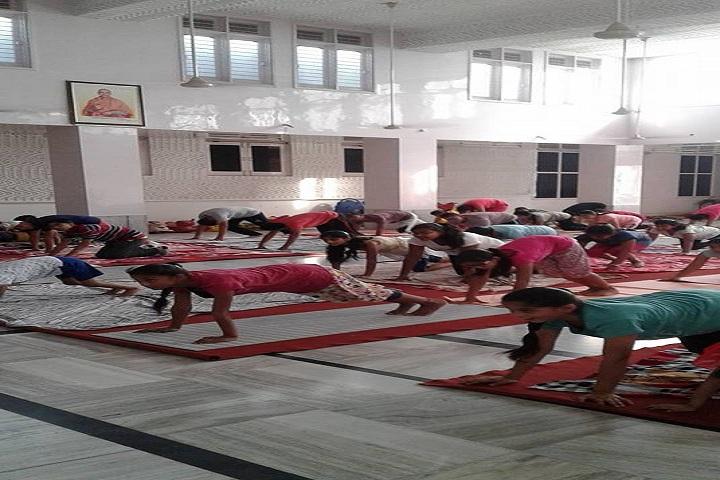 Gita Bhawan Public School-Yoga
