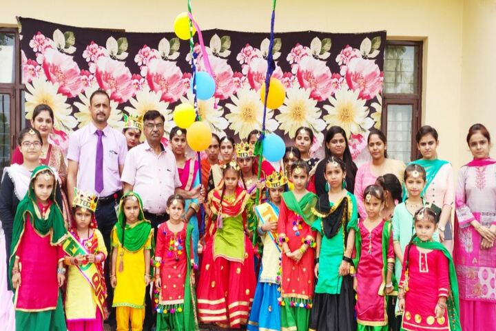 Golden Earth Convent School-Fancy Dress
