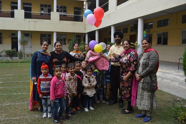 Gujrawala Guru Nanak Public School-Childrens Day celebration