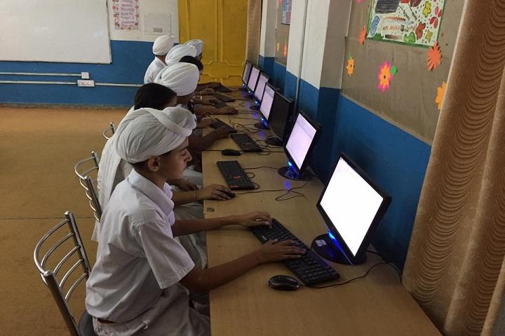 Guru Gobind Singh Vidya Mandir Senior Secondary School-Computer Lab