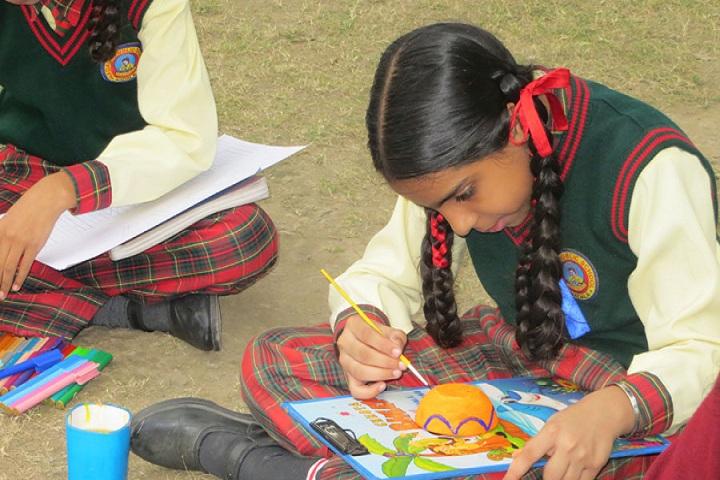 Guru Hargobind Public School-Crafts Class