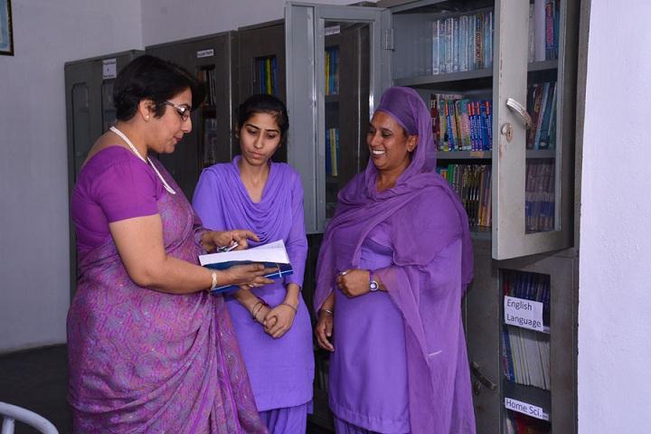 Guru Hargobind Public School-Library
