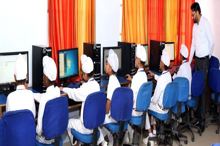 Guru Harkrishan Public School-IT-Lab
