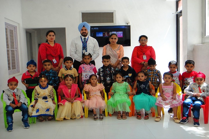 Guru Nanak Convent Senior Secondary School-Students