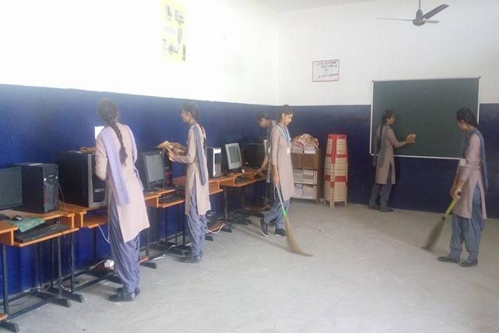 Guru Nanak Dev Public Senior Secondary School-IT-Lab