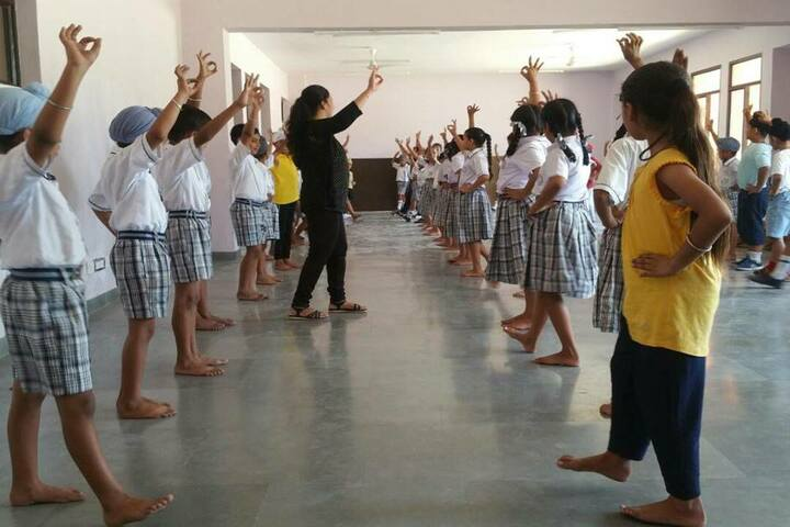 Guru Nanak Foundation Public School-Dance Class