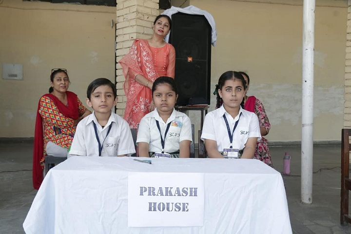 Guru Nanak Foundation Public School-Quiz Competition