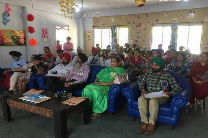 Guru Nanak Public School-Parent Interaction