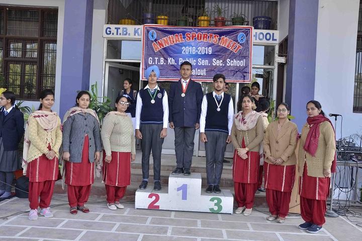 Guru Teg Bahadur Khalsa Public School-Award Receiving