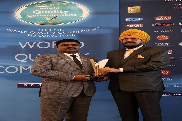 Guru Teg Bahadur Pub School-Award Receiving