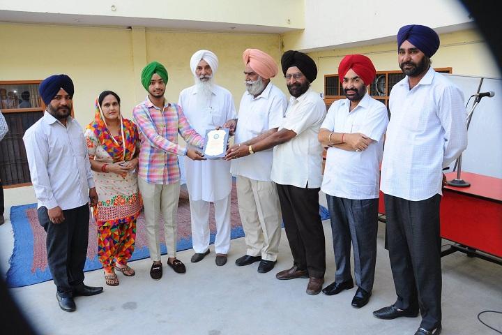 Guru Teg Bahadur Public School-Prize Distribution